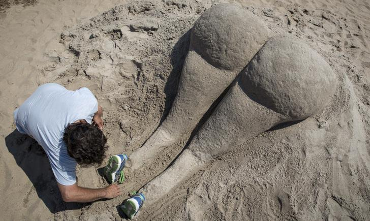 kim kardashian sabbia