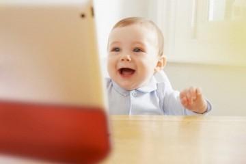 bambino 11 mesi