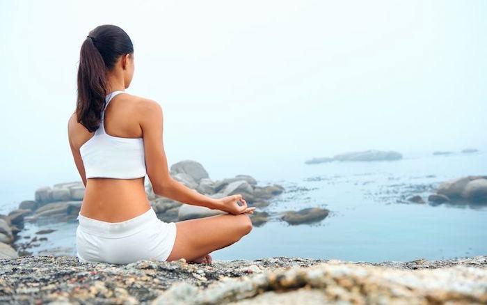 donna yoga meditazione