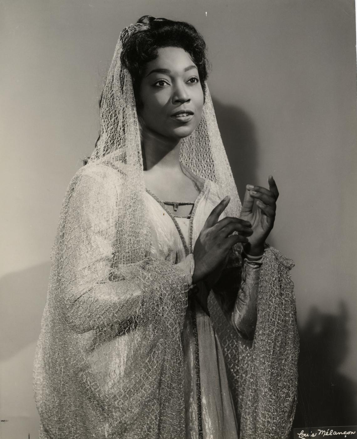 Gloria Davy